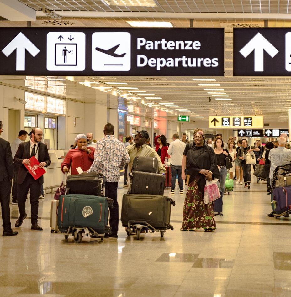 Covid-19: Speranza, Firmata ordinanza per blocco voli da Gb. Servono decisioni uniformi a livello Eu | Panorama della Sanità